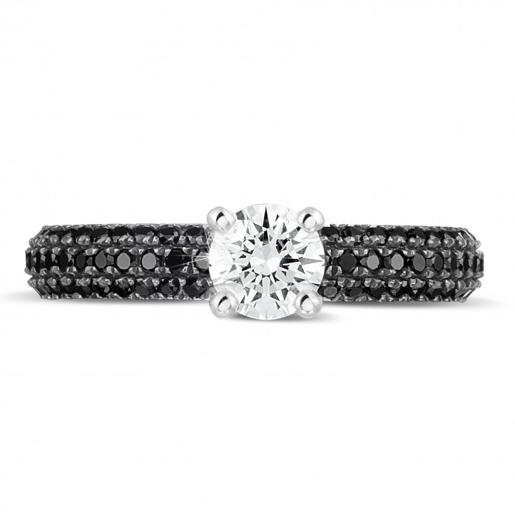 0.50 quilates anillo solitario (media banda) en oro blanco con diamantes negros