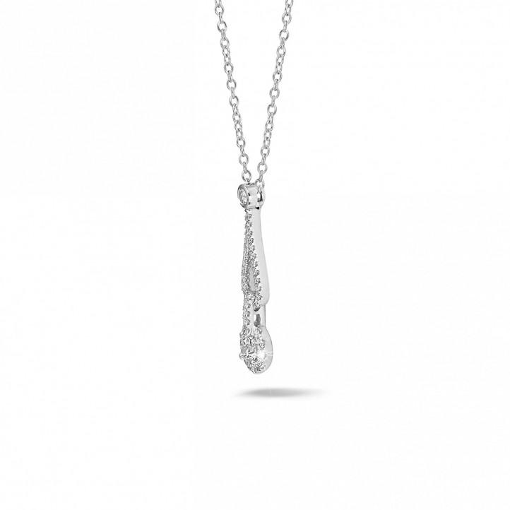 0.45 quilates gargantilla diamante en oro blanco