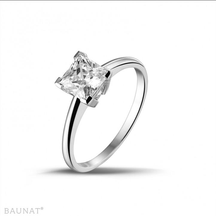 1.25 quilates anillo solitario en oro blanco con diamante talla princesa