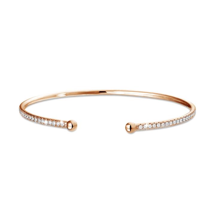 0.75 quilates pulsera diamante abierta en oro rojo