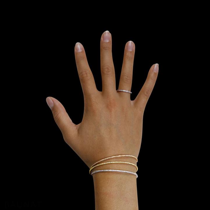 0.75 quilates pulsera diamante abierta en oro amarillo