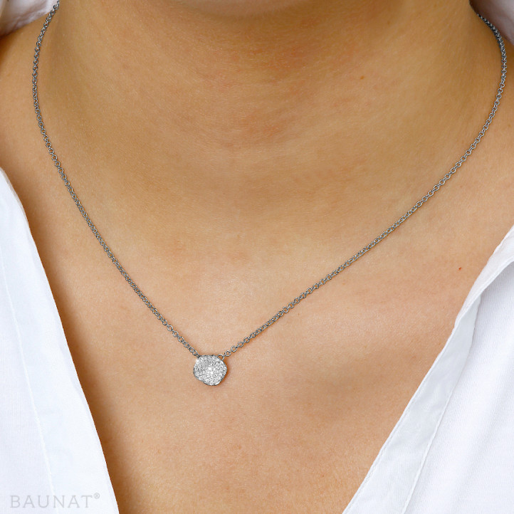 0.25 quilates gargantilla diamante diseño en oro blanco