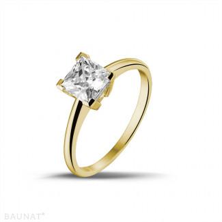 1.25 quilates anillo solitario en oro amarillo con diamante talla princesa
