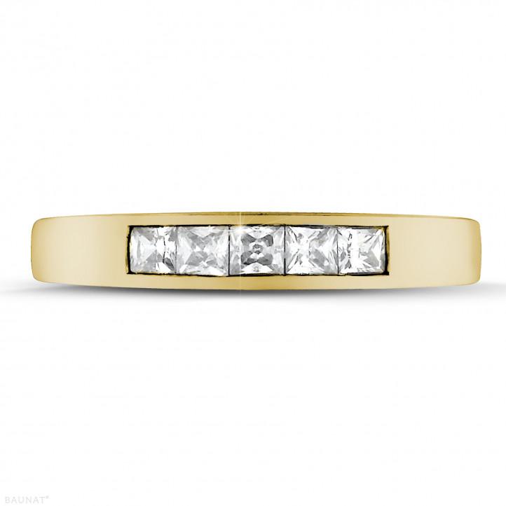 0.50 quilates alianza en oro amarillo con diamantes talla princesa