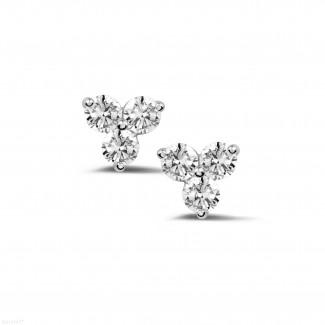 0.60 quilates pendientes diamantes trilogía en oro blanco