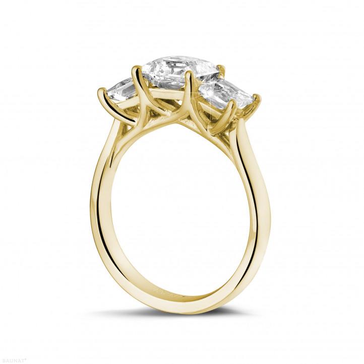 2.00 quilates anillo trilogía en oro amarillo con diamantes talla princesa