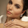 1.50 carat boucles d'oreilles design en or blanc et diamants