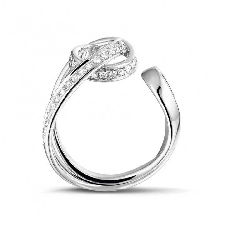 0.55 carat bague design en or blanc et diamants