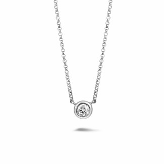 0.30 carat pendentif satellite en or blanc et diamant