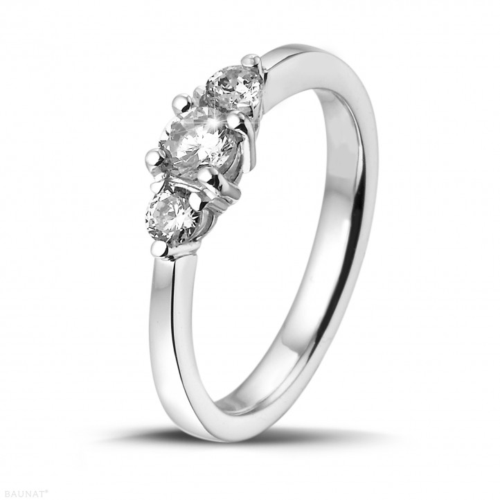 0.45 carat bague trilogie en platine et diamants ronds