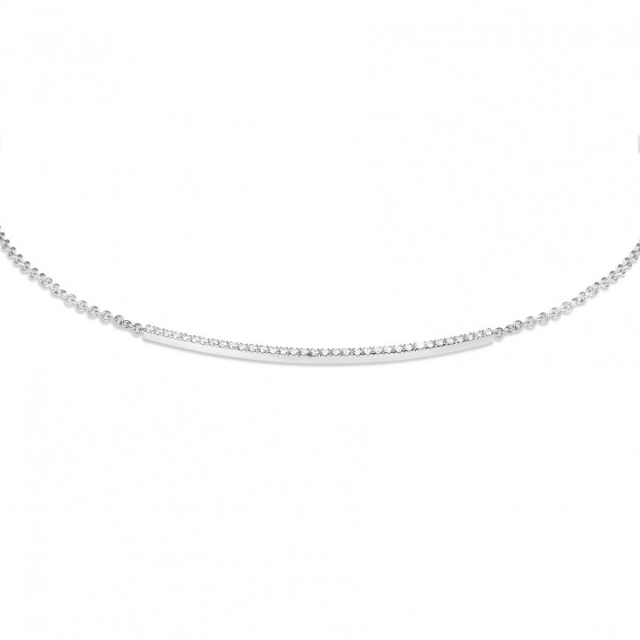 0.30 carat collier fin en platine et diamants