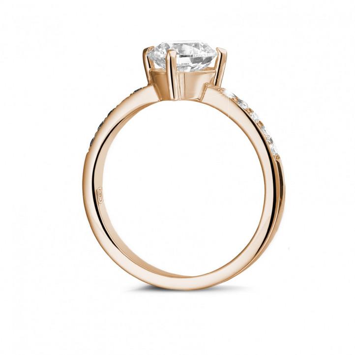 1.20 carats bague diamant solitaire en or rouge avec diamants sur les côtés