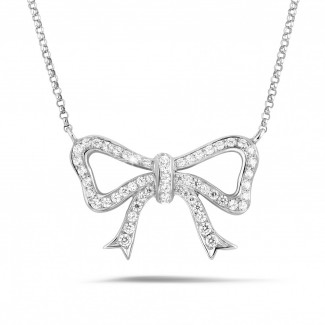 Colliers Or Blanc - Collier en forme de noeud en or blanc avec diamants