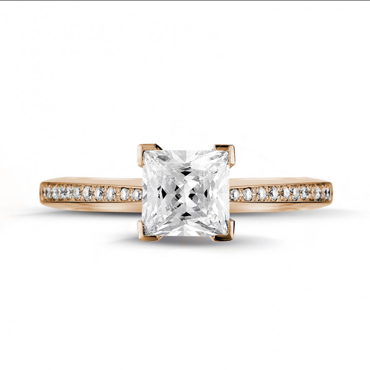 1.50 carat bague solitaire en or rouge avec diamant princesse et diamants sur les côtés