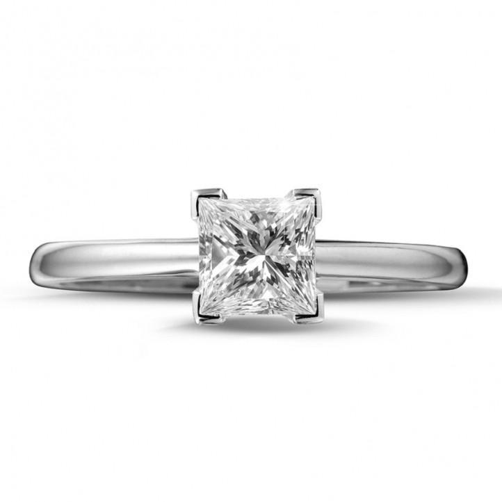 1.00 carat bague solitaire en or blanc avec diamant princesse