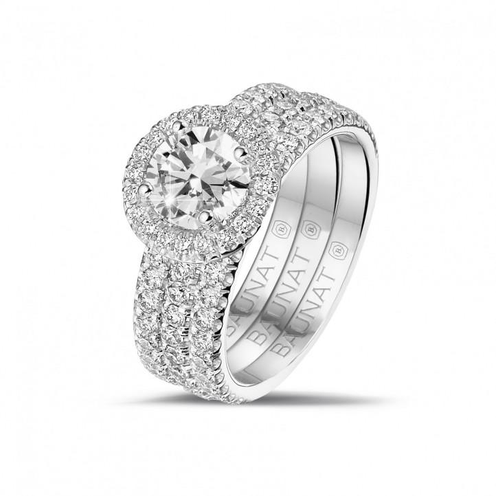 1.00 carats bague solitaire de type auréole en or blanc avec diamants ronds