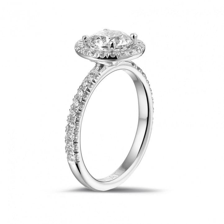 1.20 carats bague solitaire de type auréole en or blanc avec diamants ronds
