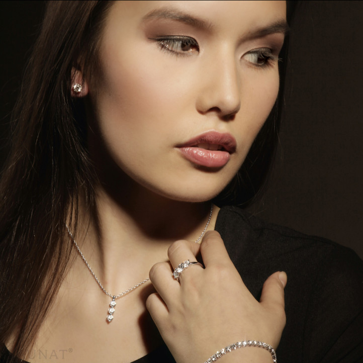 0.50 carat pendentif trilogie en or blanc avec diamants