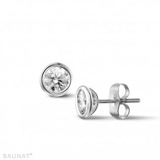 0.60 carat boucles d'oreilles satellites avec diamant en or blanc