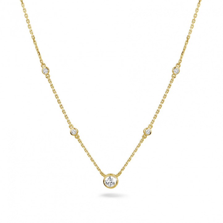 0.45 carat collier satellite en or jaune et diamants