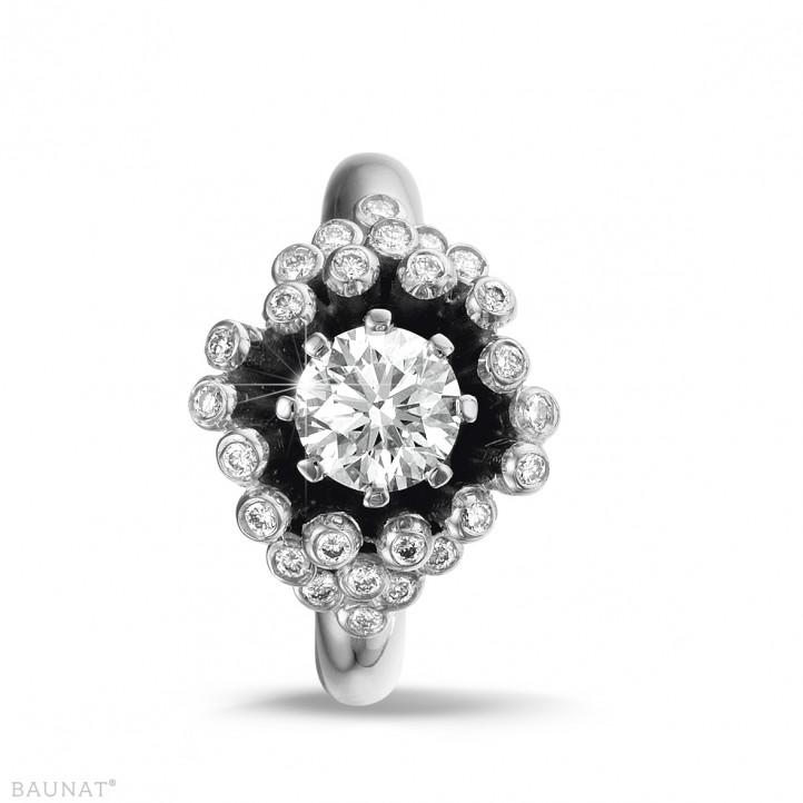0.90 carat bague design en or blanc et diamants