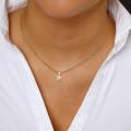 0.75 carat pendentif solitaire en or jaune avec diamant rond