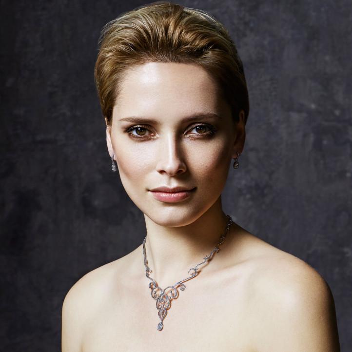 3.65 carat collier en platine et diamants