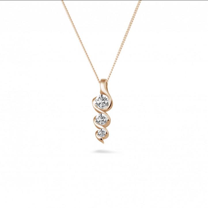 0.38 carat pendentif trilogie en or rouge avec diamants