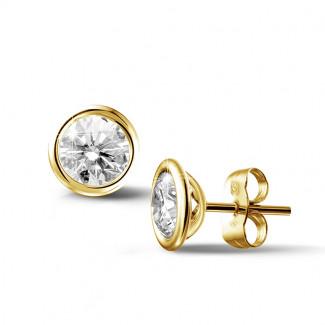 2.00 carat boucles d'oreilles satellites avec diamant en or jaune