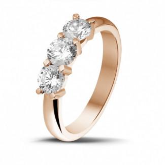 Bagues - 1.00 carat bague trilogie en or rouge et diamants ronds