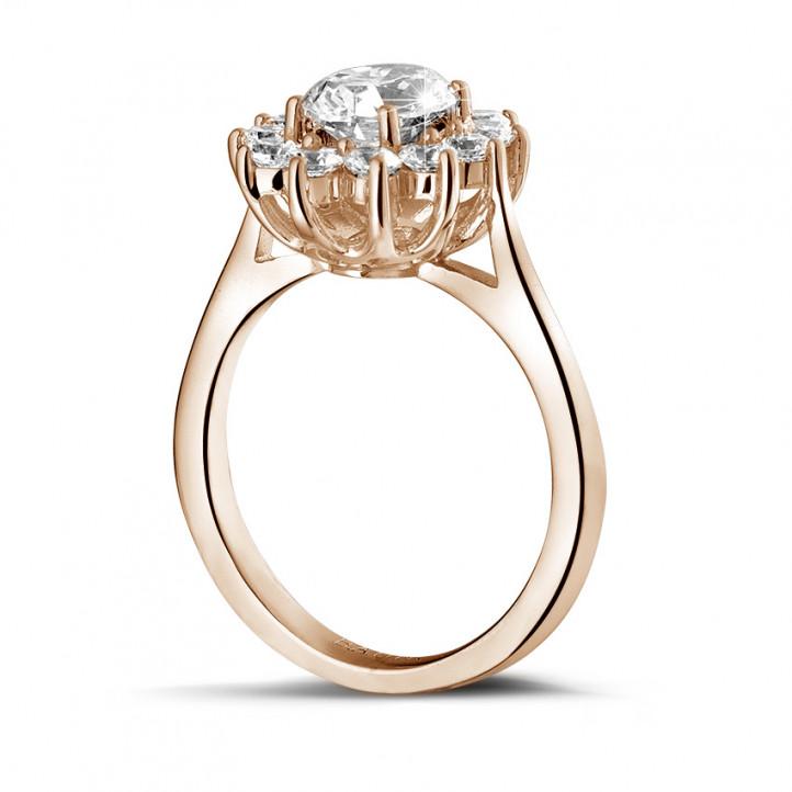 1.85 carat bague entourage en or rouge et diamant ovale
