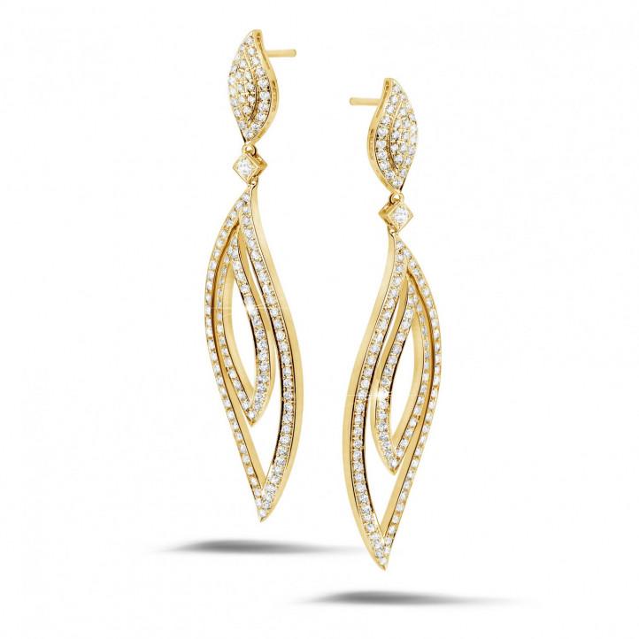 2.35 carat boucles d'oreilles feuilles en or jaune et diamants