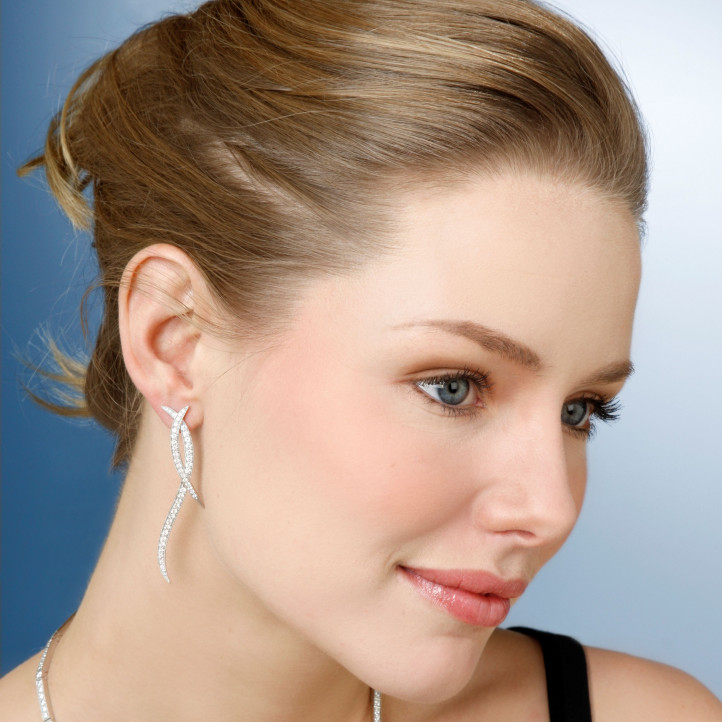 1.90 carat boucles d'oreilles design en or jaune et diamants