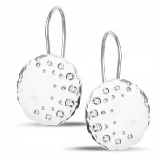 Platine - 0.26 carat boucles d'oreilles design en platine avec diamants