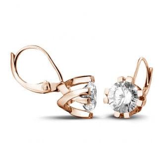 Or Rouge - 2.50 carat boucles d'oreilles design en or rouge avec huit griffes et diamants