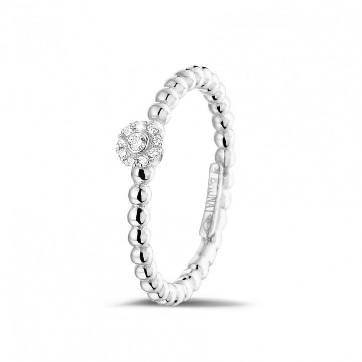 0.04 carat bague superposable perlée en or blanc avec diamant