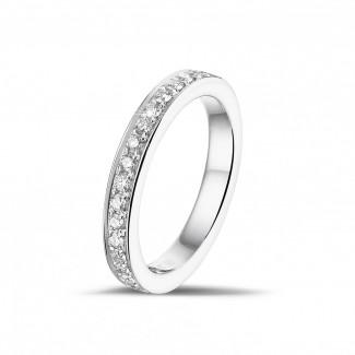 Alliances - 0.25 carat alliance (demi-tour) en platine avec diamants