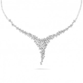 Classics - 5.90 carat collier en or blanc avec diamants