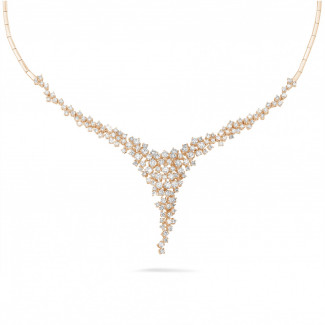 Colliers - 5.90 carat collier en or rouge avec diamants