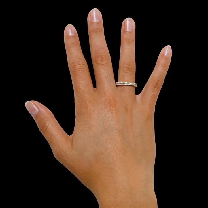 0.26 carat bague design en or jaune et diamants