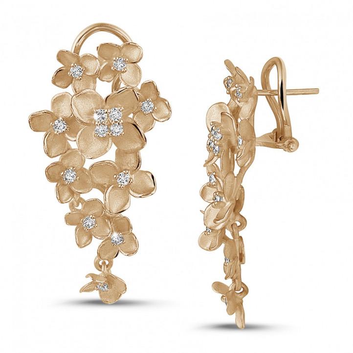 0.70 carats boucles d'oreilles design fleurs en or rouge avec diamants
