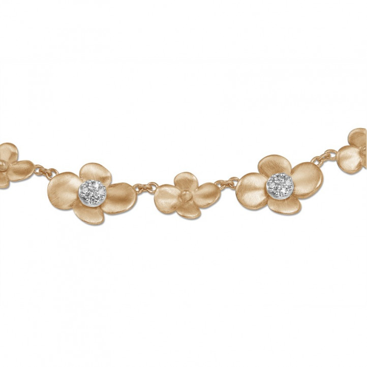 0.45 carats collier design fleurs en or rouge avec diamants