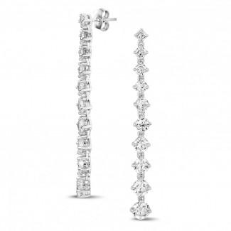 Boucles d'oreilles - 5.85 carats boucles d'oreilles dégradé en or blanc avec diamants