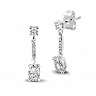 Boucles d'oreilles - 1.04 carat boucles d'oreilles en or blanc et diamants ovales