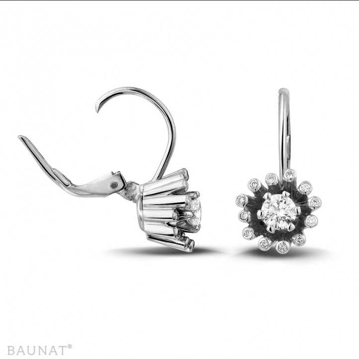 0.50 carat boucles d'oreilles design en or blanc et diamants