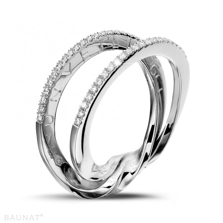 0.26 carat bague design en or blanc et diamants