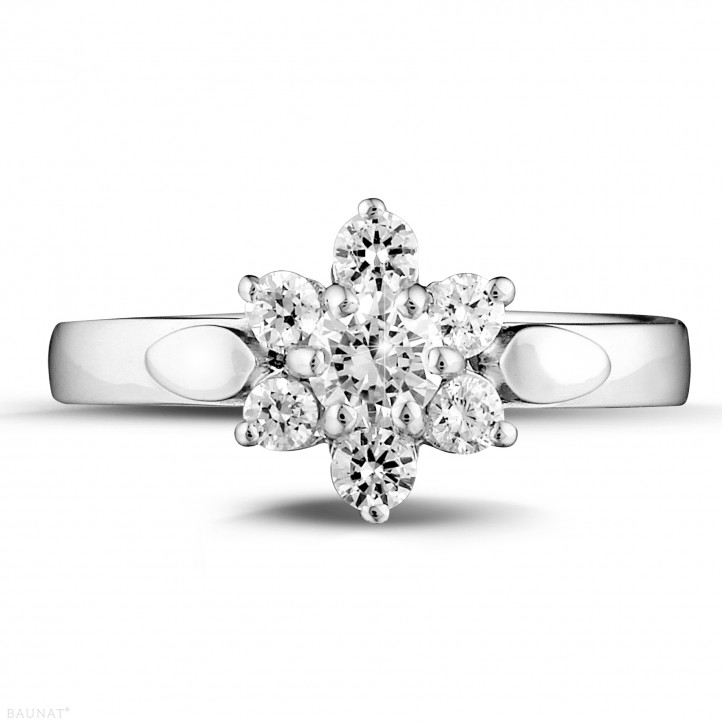 0.50 carat bague fleur en or blanc et diamants