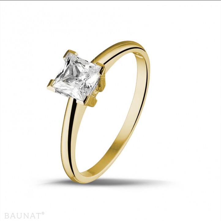 1.00 carat bague solitaire en or jaune avec diamant princesse