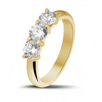 Bagues - 1.00 carat bague trilogie en or jaune et diamants ronds
