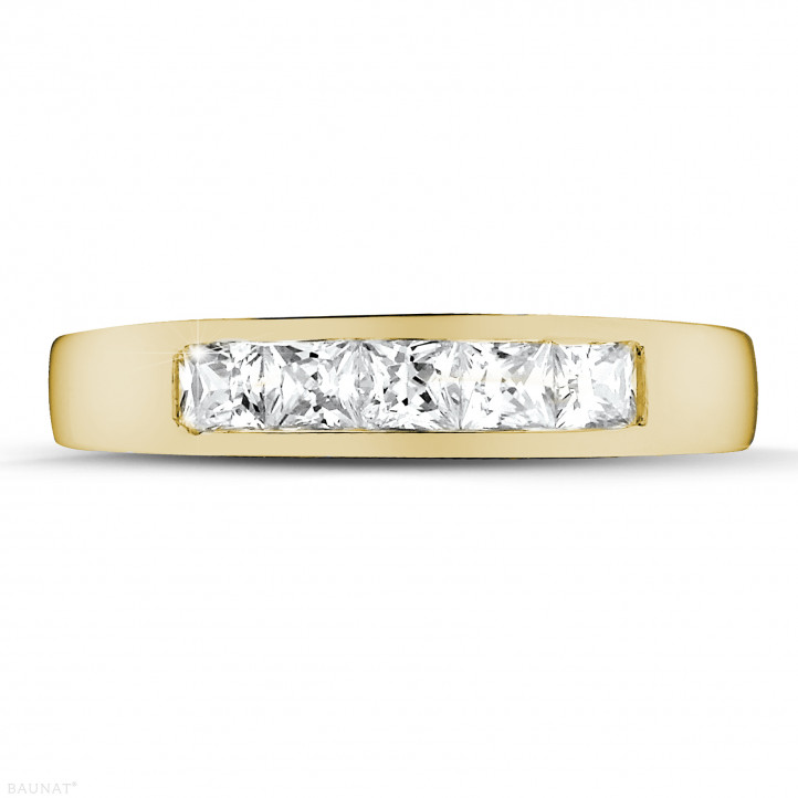 0.75 carat alliance en or jaune et diamants princesses